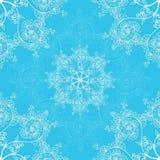Cartolina d'auguri fondo del modello, senza cuciture blu del nuovo anno e di Natale, invito con gli ornamenti del fiocco di neve royalty illustrazione gratis