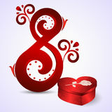 Cartolina dall'8 marzo Con rosso otto sotto forma di ornamento e di scatola rossa come cuore con una rosa Fotografie Stock Libere da Diritti
