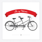 Cartolina del giorno del biglietto di S. Valentino con la bicicletta del tandem dell'annata Immagine Stock Libera da Diritti