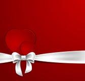 Cartolina di giorno di biglietti di S. Valentino con i cuori ed il nastro bianco royalty illustrazione gratis
