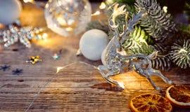 Cartolina di Natale al bordo d'annata anziano Immagini Stock