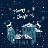 Cartolina di Natale con le case di notte Carta di vettore con una renna Fotografie Stock Libere da Diritti