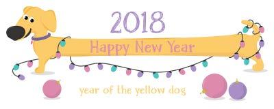 Cartolina di Natale con le luci del bassotto tedesco e di Natale del cane giallo del fumetto Fotografia Stock Libera da Diritti