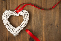 Cartoline d'auguri di vimini dei cuori di giorno del ` s del biglietto di S. Valentino Immagine Stock