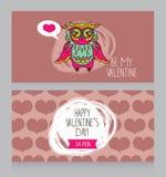 Cartoline d'auguri per il San Valentino con il gufo adorabile sveglio Fotografie Stock