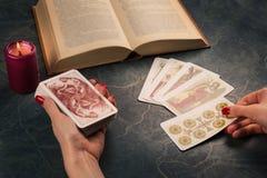 Cartomancy e dire futuro Fotografie Stock