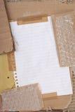 Carton et enveloppe de bulle Images stock