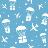 Cartoon airplanes and parachutes with gift boxes Royalty Free Stock Photography