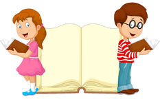 Cartoon kids reading book Royalty Free Stock Photos
