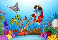 Cartoon sea animals with Shipwreck on the ocean Royalty Free Stock Photo