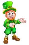 Cartoon St Patricks Day Leprechaun Pointing Royalty Free Stock Photos