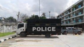 cartoonish samochodowy wizerunek odizolowywał stylowego policja biel Zdjęcie Stock