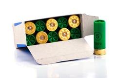 Cartucce di caccia per il fucile da caccia Immagine Stock