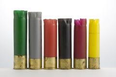 Cartucce per fucili a canna liscia di plastica vuote raccolte dopo l'anatra Fotografia Stock