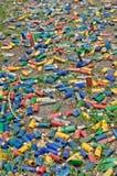 Cartucce per fucili a canna liscia sulla terra Fotografie Stock Libere da Diritti