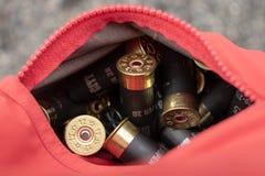 Cartucce per fucili a canna liscia in tasca per Skeet Tournament Fotografie Stock Libere da Diritti