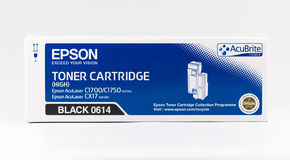 Cartuccia del toner nera di Epson su un fondo bianco Fotografia Stock