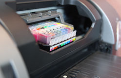 Cartuccia di colore della stampante di getto di inchiostro Fotografie Stock Libere da Diritti