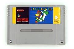 Cartucho de jogo super do sistema SNES do entretenimento de Nintendo de Mario World super imagem de stock royalty free
