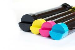 Cartucho de toner ajustado para a impressora a laser da cor Equipamento para o fundo branco do printingon imagem de stock