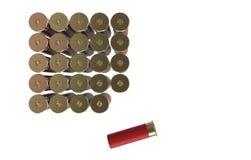 Cartuchos de la escopeta aislados sobre blanco Cartuchos de la caza Imágenes de archivo libres de regalías