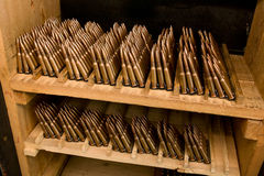 Cartuchos del rifle del almacenamiento Fotos de archivo libres de regalías