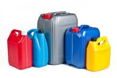 Cartuchos plásticos para o óleo da máquina fotografia de stock