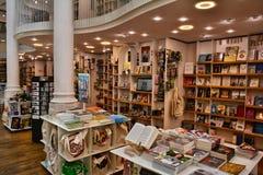 Carturesti Carusel书店在布加勒斯特,罗马尼亚 免版税库存照片