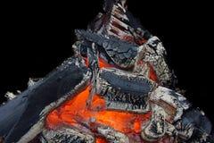 Carvão de incandescência na grade XXXL HDR do BBQ fotografia de stock royalty free