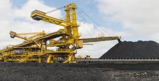 Carvão que classifica o equipamento fotografia de stock
