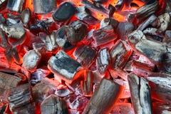 Carvão vegetal de incandescência fotografia de stock royalty free