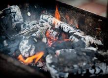 Carvão vegetal flamejante Foto de Stock Royalty Free