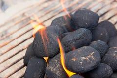 Carvões amassados do BBQ fotografia de stock royalty free