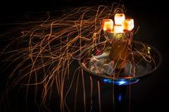 Carvões e faíscas quentes do cachimbo de água Foto de Stock