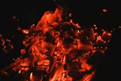 Carvões quentes Incêndio Fundo fotos de stock