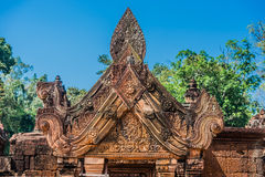 Carved pendiment Banteay Srei hindu pink temple Cambodia Stock Photography