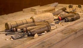 Carver stół i narzędzia obrazy royalty free