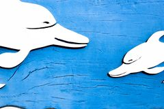 Carvin en bois bleu images stock
