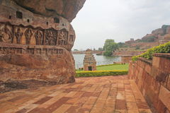 Carvings de deuses hindu em um monte, Índia Fotos de Stock Royalty Free