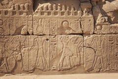 Carvings egípcios antigos em Karnak Luxor imagem de stock royalty free