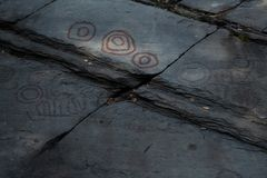 Carvings europeus adiantados da rocha - Noruega fotografia de stock royalty free