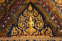 Carvings no telhado do templo Foto de Stock