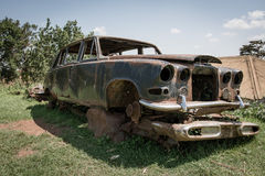 Carwreck w Kampala posiadał starym Uganda dyktatorem Obraz Royalty Free