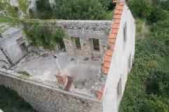Casa abandonada de la ciudad vieja de Dubrovnik Foto de archivo