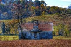 Casa abandonada de la escuela Foto de archivo libre de regalías