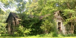 Casa abandonada de la granja en Kentucky fotos de archivo