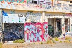 Casa abandonada del poder: Vandalismo de la juventud Imagen de archivo libre de regalías