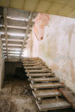 Casa abandonada dilapidada en Chernóbil Imagen de archivo libre de regalías