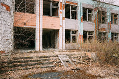 Casa abandonada dilapidada en Chernóbil Imagen de archivo