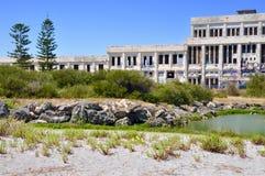 Casa abandonada do poder no ajuste litoral: Fremantle, Austrália Ocidental Fotos de Stock Royalty Free